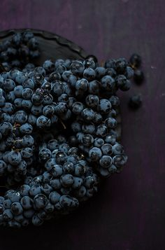 othello grapes | fruit . Frucht . fruit | Food. Art + Style. Photography: Food on black by Mezeselet |