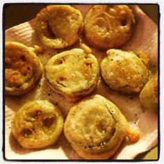 Green fried tomatoes