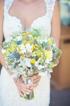 Photography: Vasia Photography - vasia-weddings.com    Read More: http://www.stylemepretty.com/canada-weddings/2014/03/27/vintage-chic-wedding-at-brock-house-restaurant/