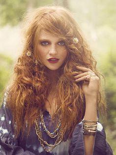 Peinado al  estilo hippy. #hairstilye #hippy #romantic