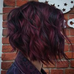Fall Hair Color Ideas For You ; red hair Perfect Fall Hair Color Ideas For You Perfect Hair Color, Cool Hair Color, Color For Short Hair, Fall Hair Color For Brunettes, Amazing Hair Color, Short Colorful Hair, Hair Color For Women, Pelo Color Vino, Wine Hair