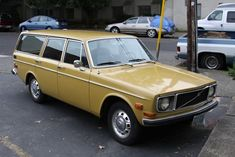 Volvo 1971 wagon- yes, this would be my dream car. Volvo Kombi, Volvo Cars, Volvo Station Wagon, Volvo Wagon, My Dream Car, Dream Cars, Vintage Cars, Antique Cars, Volvo 240