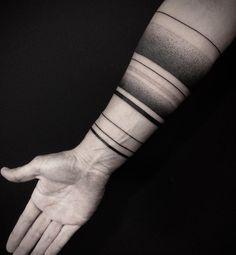 54 tattoos that everyone needs - tattoos - tatoo feminina - tattoo Forearm Band Tattoos, Tattoo Band, Tattoos Arm Mann, Ring Tattoos, Feather Tattoos, Arm Tattoos For Guys, Trendy Tattoos, Body Art Tattoos, New Tattoos