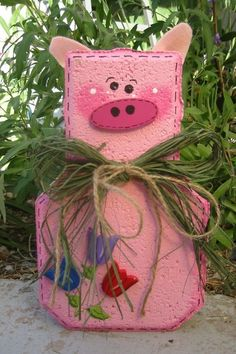 Percy Pig Patio Person Garden Art Gift by SunburstOutdoorDecor Painted Bricks Crafts, Brick Crafts, Painted Pavers, Stone Crafts, Cement Crafts, Painted Rocks, Outdoor Patio Pavers, Patio Blocks, Brick Art