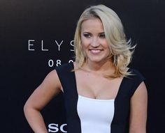 Emily Osment to star in new ABC comedy 'Young and Hungry' Young & Hungry, Emily Osment, Big Crush, Shailene Woodley, Anne Hathaway, Jennifer Garner, Celebrity Babies, Emma Stone, Celebs
