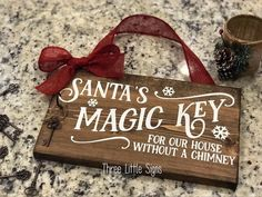 Excited to share this item from my shop: Santa's Magic Key Sign Christmas Craft Fair, Christmas Signs, Christmas Holidays, Christmas Decorations, Cricut Christmas Ideas, Xmas, Funny Wedding Gifts, Wedding Shower Gifts, Magic Santa
