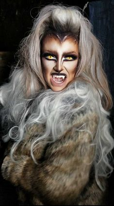 Are you looking for inspiration for your Halloween make-up? Browse around this website for cute Halloween makeup looks. Werewolf Makeup, Werewolf Costume, Werewolf Girl, Creepy Halloween Makeup, Amazing Halloween Makeup, Halloween Costumes, Happy Halloween, Girl Halloween, Halloween Stuff