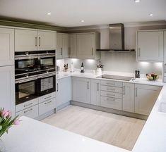 Whether you're a gourmet chef or just like to have a comfortable and stylish place to eat family meals, we understand it's important to… Grey Kitchen Designs, Kitchen Room Design, Home Decor Kitchen, Interior Design Kitchen, Home Kitchens, Kitchen Ideas, Interior Modern, Open Plan Kitchen Diner, Open Plan Kitchen Living Room