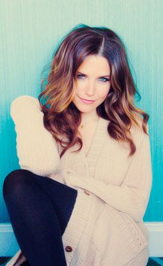 Love the golden red with warm cocoa brown ombre hair color! Sophia Bush.