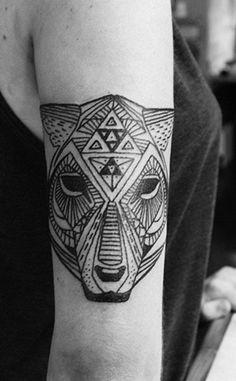 Triangles making up a cheetah #tattoos #animals #triangles #cheetah