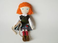 ♥ little girl with honeycolored cape by matildebeldroega on Etsy
