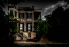 images of real ghost photos | The real ghosts and hauntings at 432 Abercorn Savannah