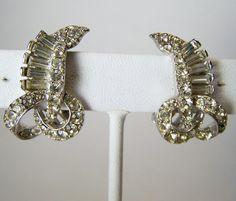 Vintage Pell Crystal Rhinestone Earrings Silver Tone Setting Clip  915DG https://www.etsy.com/listing/248879894/vintage-pell-crystal-rhinestone-earrings?ref=shop_home_active_1&utm_content=bufferd0ea8&utm_medium=social&utm_source=pinterest.com&utm_campaign=buffer #vogueteam #etsygifts