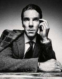 Portrait Photography Inspiration : Benedict Cumberbatch By Platon For GQ January 2014 Studio Portrait Photography, Foto Portrait, Man Photography, Studio Portraits, Men Portrait, Corporate Portrait, Business Portrait, Best Portraits, Celebrity Portraits