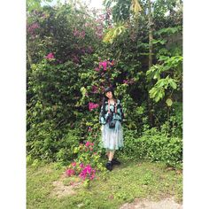 Have a nice day❗️ . 四方さんに撮ってもらった写真がどれも素敵過ぎて…👀 . . . #hello #me #beach #summer #👡 #🌴 #🍉 #☀️ #foot #plumeria #ヲハロ #guam #guam🇬🇺 #グアム #南国 #happy #sightseeing #vacation #夏 #りさちー #相沢梨紗 #dempagumi #でんぱ組 #cheki S#swimwear #japanese #idol #bougainvillea #flowers