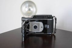 Polaroid Land Camera - Model 150 http://www.ctonlineauctions.com/detail.asp?id=240347
