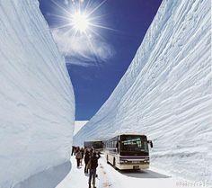 Japan富山県~雪の谷