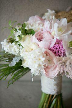Photography: Hilary Chan Flowers: lemongrass wedding floral & accessories  www.facebook.com/LemongrassWedding