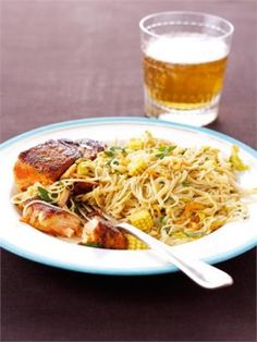 Seared Salmon with Singapore Noodles by Nigella Lawson (a reason to go shop at the Asian market! Salmon Recipes, Fish Recipes, Seafood Recipes, Asian Recipes, Cooking Recipes, Healthy Recipes, Ethnic Recipes, Healthy Meals, Delicious Recipes