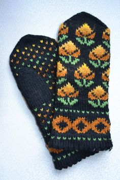 wool knit mittens folklore patterns hand made geometric floral ornaments a variety of colours