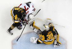 MAY 10: Matt Murray #30 of the Pittsburgh Penguins makes a save on T.J. Oshie #77 of the Washington Capitals in Game Six of the Eastern Conference Second Round during the 2016 NHL Stanley Cup Playoffs at Consol Energy Center on May 10, 2016 in Pittsburgh, Pennsylvania. (Photo by Justin K. Aller/Getty Images)