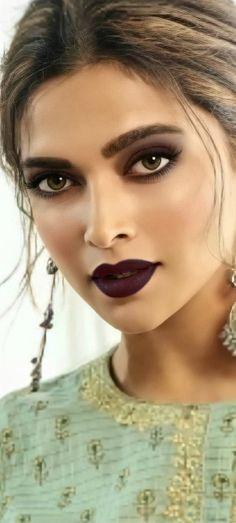 Beautiful Girl Indian, Beautiful Indian Actress, Indian Actress Hot Pics, Indian Actresses, Dipika Padukone, Bollywood Designer Sarees, Deepika Padukone Style, Nice Face, Bollywood Girls