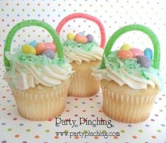 Cupcakes at an Easter Party #easter #partycupcakes