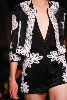 Givenchy Spring 2015 Ready-to-Wear - Details - Gallery - Look 15 - Style.com