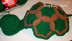 Infant turtle shell photo prop. Free Pattern