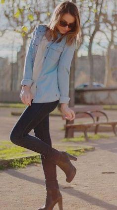 Calça skiny, camisa jeans usada com jaqueta e bota marrom! Tenho tudo!
