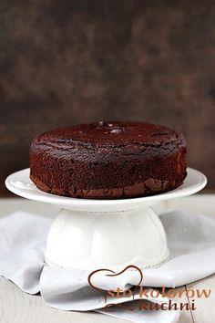 Chocolate cake without sugar and flour