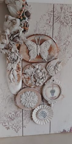 Cool Diy Projects, Clay Projects, Shabby Chic Wall Art, Iron Orchid Designs, Mixed Media Scrapbooking, Arts And Crafts, Diy Crafts, Assemblage Art, Paper Clay