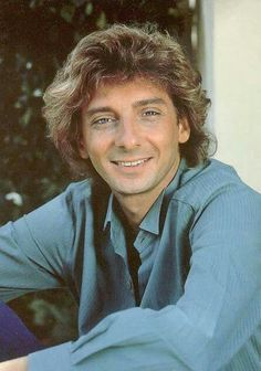 Barry Manilow chilling out. Music Icon, My Music, Damn Yankees Band, Barry Manilow Songs, I Write The Songs, Special People, Famous Faces, Elvis Presley, Music Artists