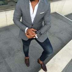 Die: brown Shoes + Blue jeans + White simple shirt + lightgray blazer