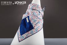 Strong flowers Civic Dog® scarf, square pocket. http://civicdog.com/product/tuli-pañuelo-civic-dog-strong-flowers