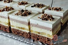 Krémový banánový sen - fotopostup Hungarian Cake, Hungarian Recipes, Czech Desserts, Cake Recept, Dessert Boxes, Czech Recipes, Food Obsession, Sweet Cakes, Sweet Bread