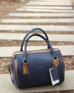 Boston bagGrey Leather bagGray leather by AdeLeatherGift on Etsy