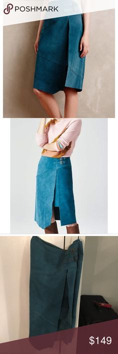 💙 practically new Anthropologie teal suede skirt Such a gorgeous skirt, but I haven't worn it since I bought it. Only worn once and absolutely 100% suede. Pair it with some fun ankle boots or strappy heels! Anthropologie Skirts