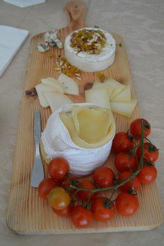 Uma Pedra de Sal Camembert Cheese, Dairy, Food, Stones, Salads, Essen, Meals, Yemek, Eten