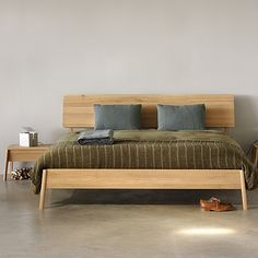 True to its name, the Oak Air Bed features a slim, Scandinavian style with tapered legs that give the bed the illusion of floating.