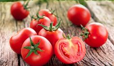 Learn how tomatoes have been proven to lower uric acid levels and clear up the confusion that tomatoes don't belong in a gout diet. Cooking Herbs, Cooking Tomatoes, Health Benefits Of Tomatoes, Gout Diet, Uric Acid, Mediterranean Diet Recipes, Best Diets, No Carb Diets, Fresh Herbs