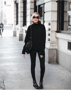 Cool blogger Carly Cristman wearing this cosy autumn all black ensemble with our PUNKY flat boots in black leather. This style is now on SALE! https://www.instagram.com/carlycristman/ http://www.ashfootwear.co.uk/womens-c1/ash-punky-flat-boots-black-leather-p1749