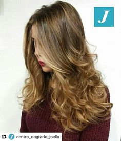 Le donne e il Degradé Joelle. #cdj #degradejoelle #tagliopuntearia #degradé #igers #musthave #hair #hairstyle #haircolour #longhair #ootd #hairfashion #madeinitaly #matera #matera2019 #sassimatera