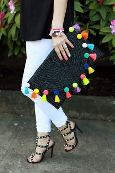 The perfect spring accessories - pom pom clutch and studded shoesThe only bags you'll need this summer: Straw totes, pom poms and more! Pom Pom Clutch, Sacs Design, Studded Heels, Boho Bags, Shoes With Jeans, Chloe Bag, Crochet Bags, Handmade Bags, Handmade Clutch