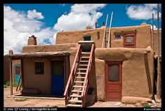 Pueblo revival houses in santa fe stucco walls adobe for Classic story adobe