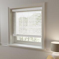 Oak Effect Slats Venetian Blind White Wooden Blinds, White Blinds, White Bedroom Blinds, Master Bedroom, Room Ideas Bedroom, Bedroom Decor, Blinds For Windows Living Rooms, Kitchen Blinds, Shades Blinds