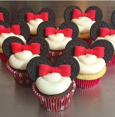 Super cute Minnie Mouse DIY cupcakes