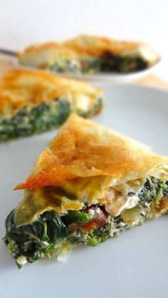 The Big Diabetes Lie- Recipes-Diet - Spanakopita (tourte aux épinards et feta) - Doctors at the International Council for Truth in Medicine are revealing the truth about diabetes that has been suppressed for over 21 years. Greek Recipes, Indian Food Recipes, Vegetarian Recipes, Cooking Recipes, Healthy Recipes, Crockpot Recipes, Good Food, Yummy Food, Salty Foods