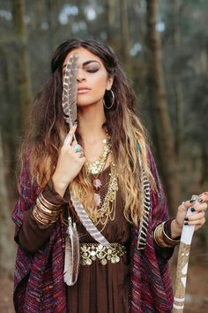 earthy glamour - The jewelry really compliments her hair. Pretty - Boho Style