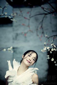 Jiang Yiyan Spring photoshoot